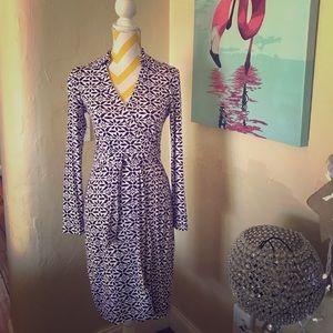Iconic Diane Von Furstenberg Wrap Dress. Size 2